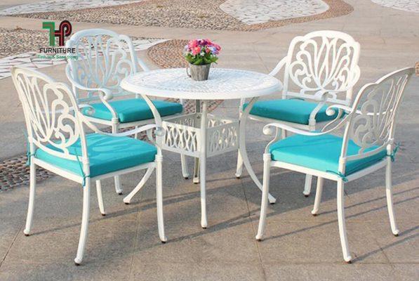 Bàn ghế sân vườn tròn màu đồng TPHCM (1)