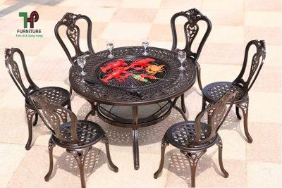bộ bàn ghế ngoài trời có bếp than