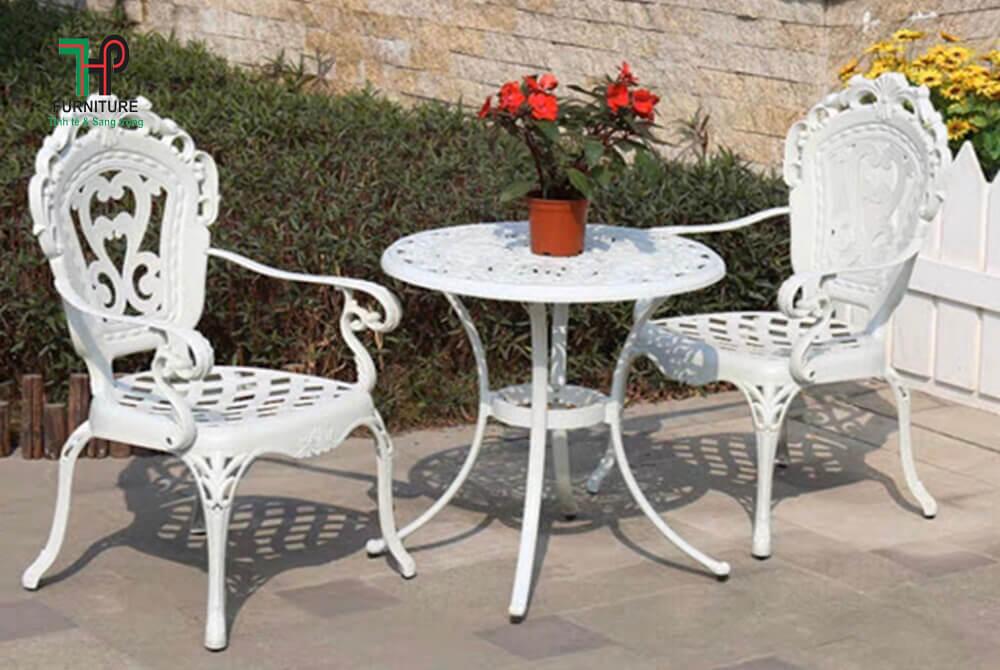 Bộ bàn tròn sân vườn nhôm đúc (1)