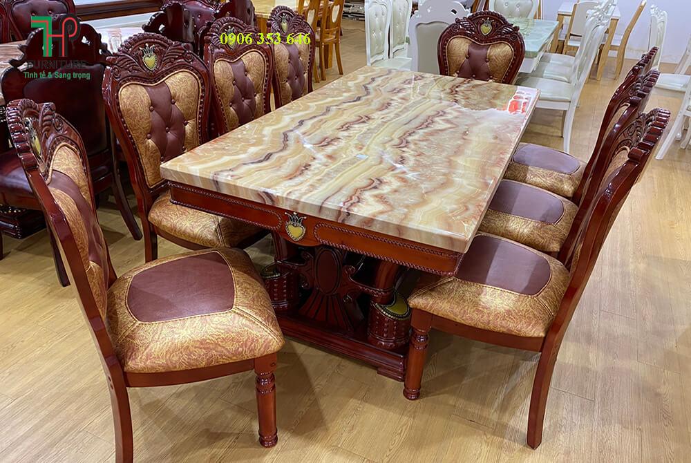 bàn ăn lớn cổ điển